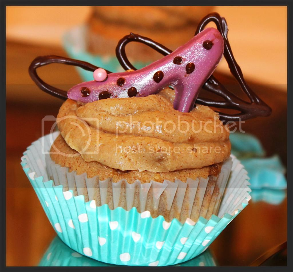 cupcakes photo: Fancy Cupcakes YUMYUMSCUPCAKECORNER2012037_zpse9da3625.jpg